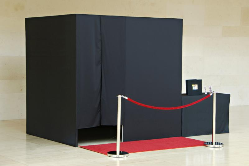 Elegant, Sleek & Stylish PHOTO BOOTH